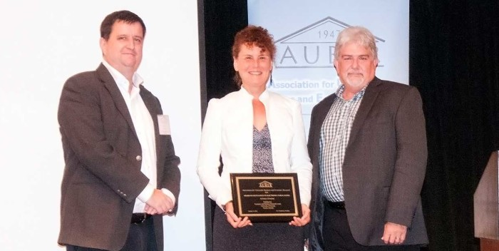 EBRC's Heather Peterson accept's AUBER Award for Excellence in Electronic Publications for Arizona's Economy, October 2014